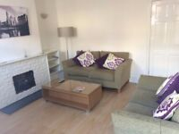 Large Double Room in a Beautiful House Share for Young Professional Females in Bearwood