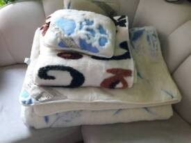 100% sheep wool duvet, blanket and 2 small pillows