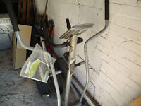 Roger Black Cross Trainer / exercise bike - AG10501 - with multi function computer
