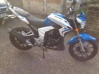 Lexmoto Venom 125cc Geared bike in blue & white only done 650 miles must be seen real head turner!