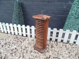 MANGO WOOD CD RACK ORIGINAL DESIGN ALL SOLID AND IT'S IN EXCELLENT CONDITION 23/20/53 cm £15