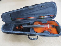 Full size violin in case