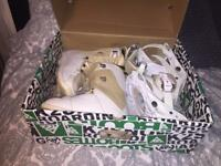 Open to offers! Burton Womens Snowboard Boots + Bindings Size 4