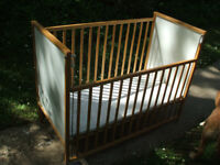 Traditional drop side cot