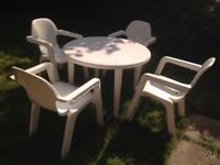 White Hartman Garden Table and 4 chairs reduced to clear