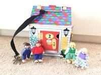 Melissa and Doug carry doorbell house and 4 figures