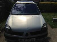 Renault Clio 1.5 dci (£30 road tax )