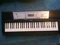 Keyboard YAMAHA ypt-200 ---30pounds---