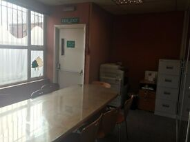 Boardroom Office to rent in Enfield Town - £600PCM