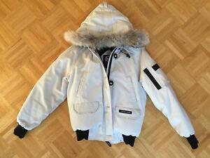CANADA GOOSE - OFF WHITE - MEDIUM- PRICE HAS BEEN LOWERED! West Island Greater Montréal image 1