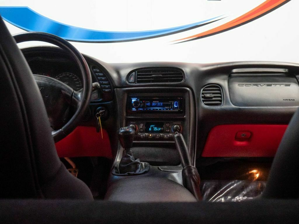2001 Silver Chevrolet Corvette Z06    C5 Corvette Photo 2