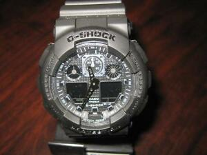 Casio Men G-Shock Classic Watch. Water Resistant. Back Light. Alarm. Stop Watch. Date. Day. Time. Like NEW.