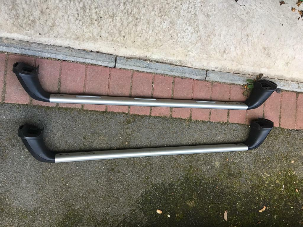 Toyota Avensis estate roof bars