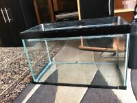 2 ft glass fish tank only tank look pic no leaking at all and clean