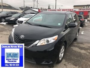 2016 Toyota Sienna LOW LOW KM PRICED TO SELL
