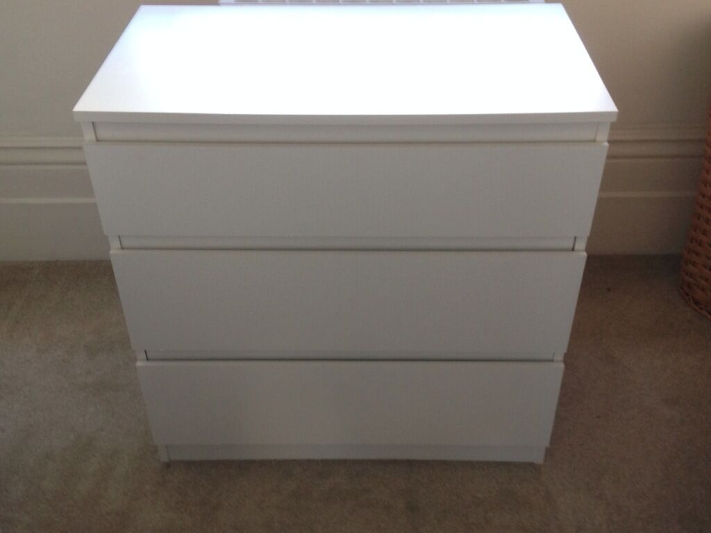 chest of 3 draws ikea 39 kullen 39 must go in kilburn. Black Bedroom Furniture Sets. Home Design Ideas