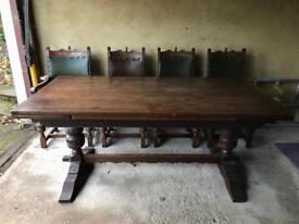 Tutor Oak table and chairs