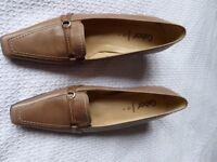 Gabor ladies shoes BNIB size 7
