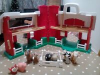 Fisher Price farm and 9 animals