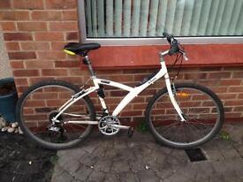 B-twin 3 bicycle