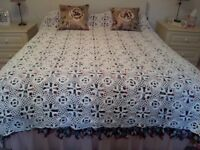Vintage 1940'-50's white cotton crocheted bedspread