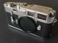 Leica M3 Double Stroke Camera in Mint- Condition