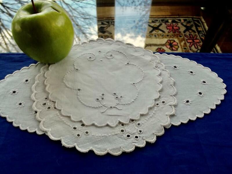 Lot 3 Antique White Linen Madeira Doilies Eyelet Embroidery Oval Bread & Round