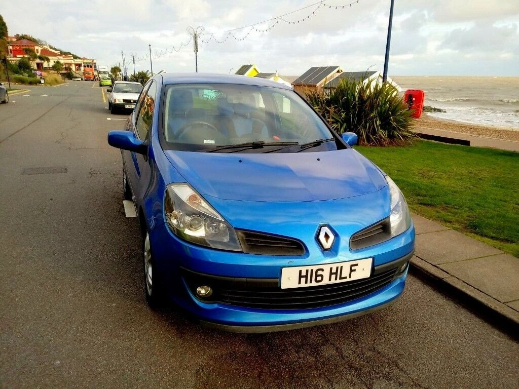 Renault Clio 3 doors 1.4l petrol 2006 MOT 06/09/2019 Price 950f or offer.  Quick Sell!! E-MAIL OR SMS