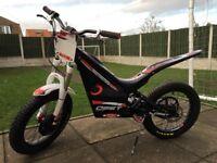 Oset 20 eco electric trials bike & riding gear