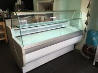 Igloo commercial serve over chiller counter with refrigerated under storage