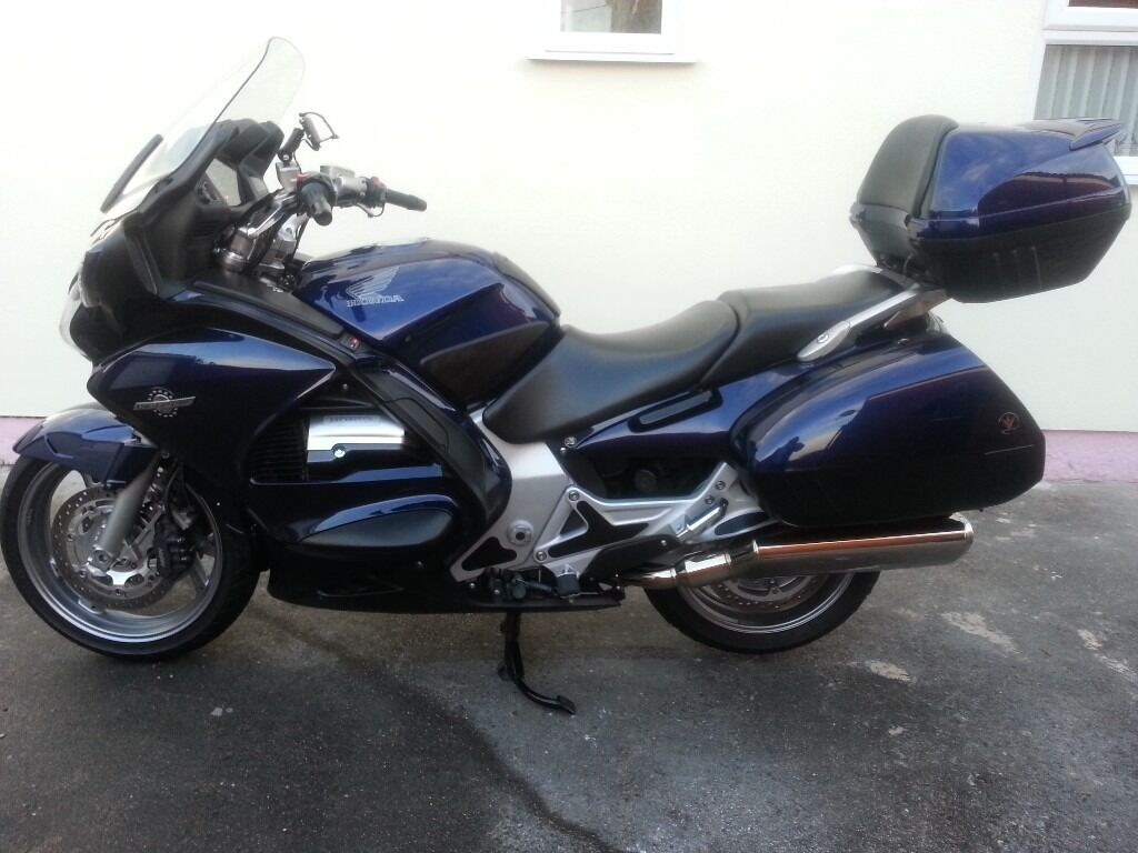 2005 honda st 1300 pan european excellent condition low. Black Bedroom Furniture Sets. Home Design Ideas