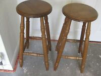 """PAIR OF WOODEN BAR STOOLS. 2'3"""" HIGH. SEAT DIAMETER - 12"""" GOOD CONDITION"""