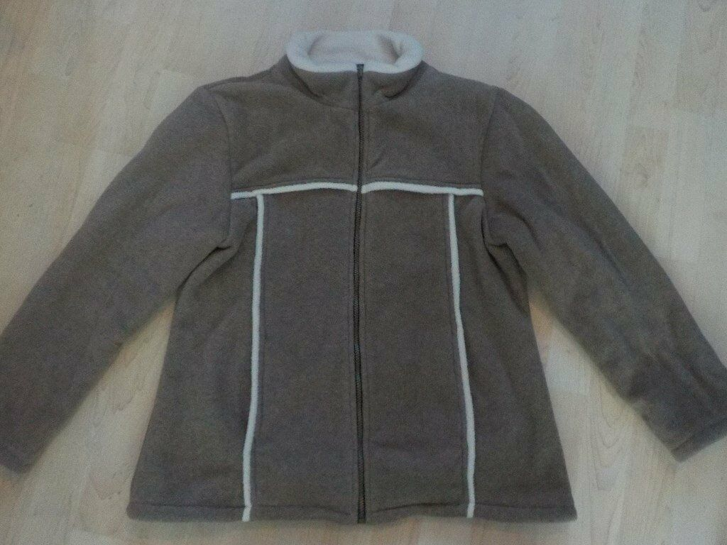 BRAND NEW without Tags - Ladies Tayberry & Co Good Quality Fleece Coat in Tan - Medium - Collection