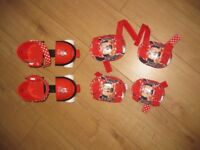 MINNIE MOUSE ADJUSTABLE ROLLER SKATES from 3 years + matching knee & elbow pads FABULOUS - REDUCED
