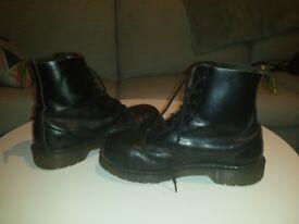 (Work) Dr Martens Black 8 Eyelets Steel Toe Cap No Stitch 5UK £30.00 Kennington SE11 5NG London