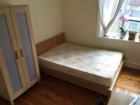 wonderful large DOUBLE ROOM TO RENT ON OLD KENT ROAD TWO BATHROOMS CLEANER TERRACE