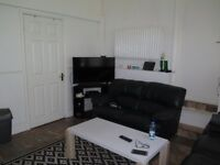 A Studio Flat Close To Arnos Grove Underground Station, All Bills Included