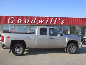 2009 Chevrolet SILVERADO 2500HD LT! EXT CAB! CLEAN CARPROOF!