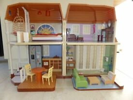 Doll House Large
