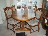 Dining Room Table & 4 chairs ( Karel furniture)