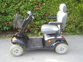 STRIDER MAXI 8 MPH mobility scooter in black, 30 stone user weight