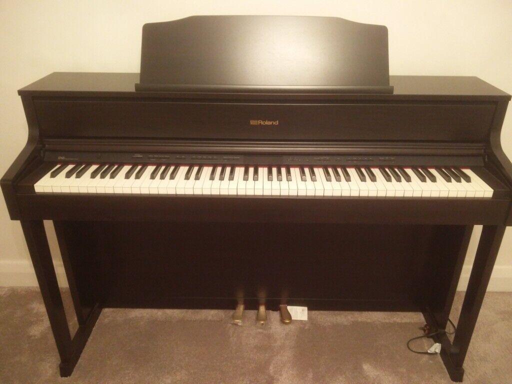 ROLAND HP605 CR digital piano, like new  Rich concert class piano sound,  Bluetooth | in Bognor Regis, West Sussex | Gumtree