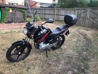 Yamaha YBR 125cc 2013, black, in excellent condition