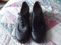 Black Bloch Tap Shoes size 6