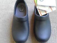 New ladies black crocs size 3