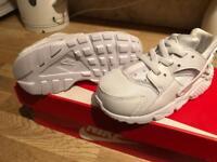 Nike Huarache UK 6.5 Toddlers