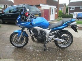 2009 Yamaha Fazer 600 in light blue with silver wheels