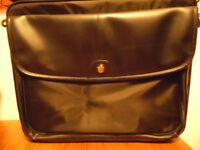 Back to school/College - great laptop case with shoulder strap!