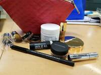 Bare Minerals Make Up Gift Bag With Treats (1)