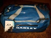 Oakley voyage 60l duffel bag